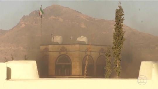 Casa de ex-presidente do Iêmen é alvo de ataque em Sanaa