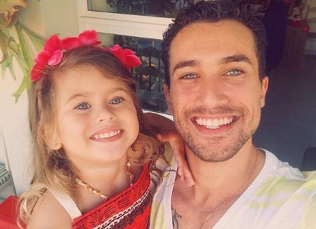 Ricardo Vianna e a filha, Cecília (Foto: Reprodução/Instagram)