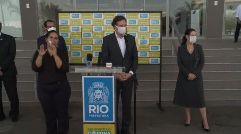 Prefeito do Rio irá ouvir clubes domingo e faz apelo: Se não respeitam, as pessoas em casa ficam desalentadas