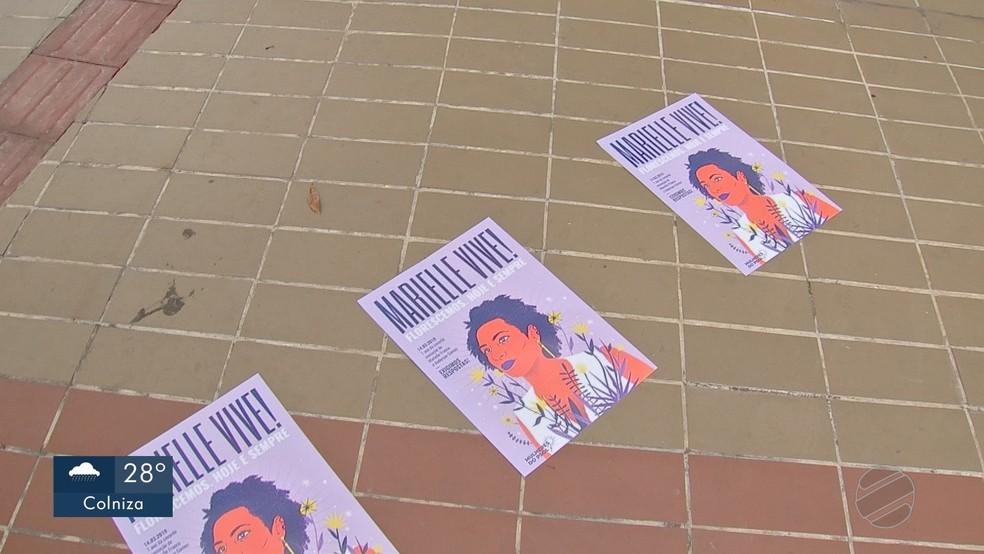 Manifestação lembrou um ano da morte da vereadora do RJ — Foto: TV Centro América