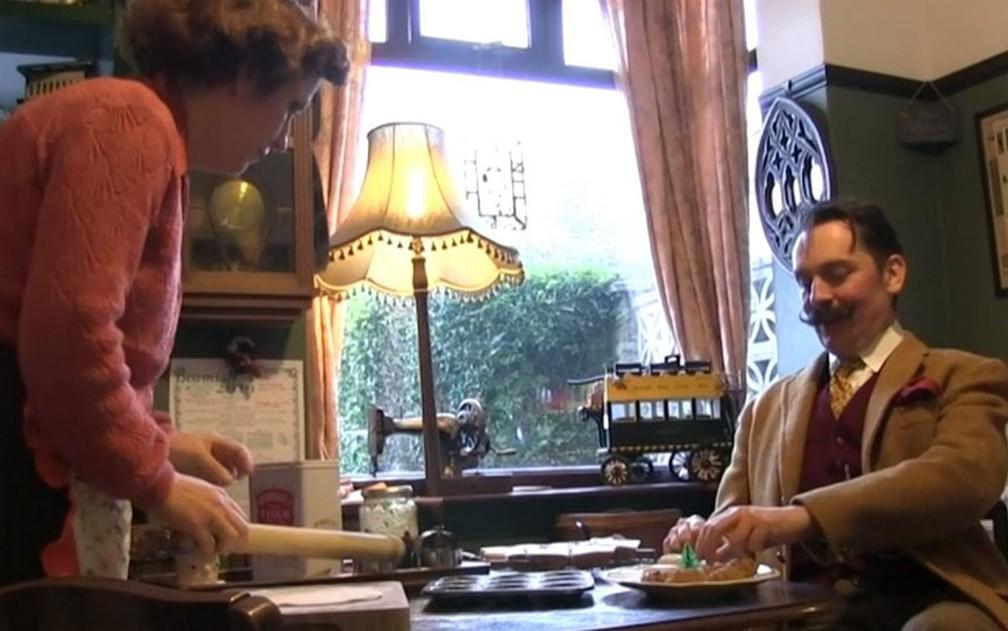 A casa de Lynda e Dean é uma viagem ao passado — Foto: BBC