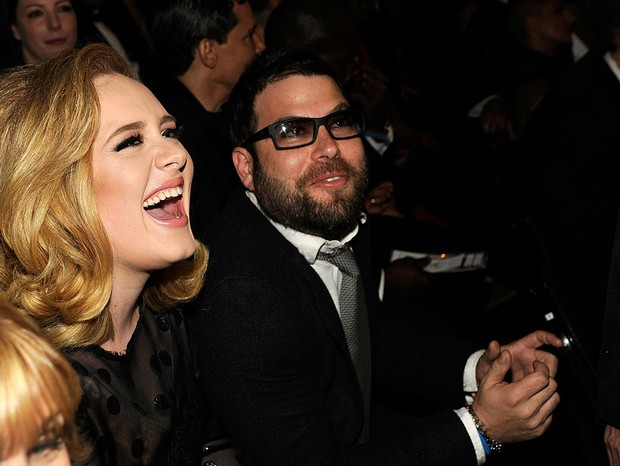 LOS ANGELES, CA - FEBRUARY 12:  Adele and Simon Konecki attend The 54th Annual GRAMMY Awards at Staples Center on February 12, 2012 in Los Angeles, California.  (Photo by Kevin Mazur/WireImage) (Foto: WireImage)