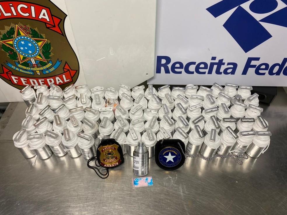 Fiscais do Aeroporto do Galeão encontram cocaína escondida em prumos de pedreiro — Foto: Reprodução/Receita Federal