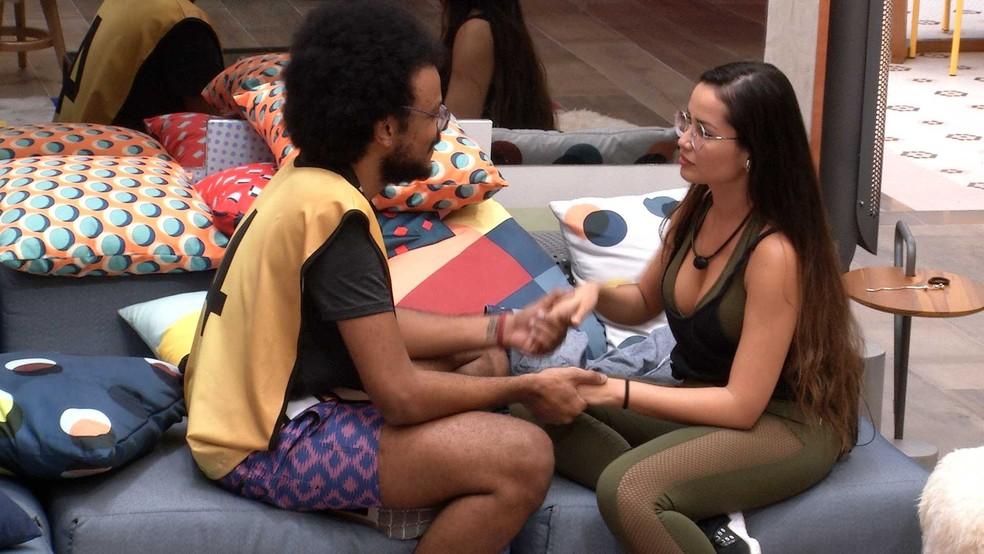 João Luiz se justifica para Juliette sobre não levar sister para o VIP e declara: 'Gosto muito de você' — Foto: Globo