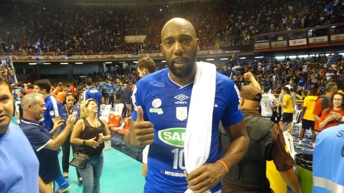 Cruzeiro emite nota por assédio a Simon 5241c2deaf583