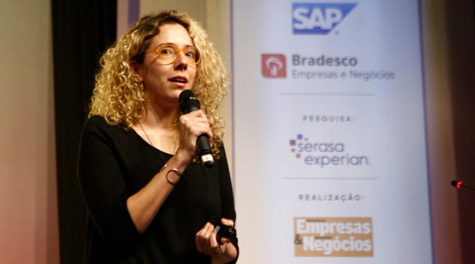 Iza Dezon, diretora do Peclers Paris, durante palestra no prêmio Melhores Franquias do Brasil (Foto: Ricardo Cardoso)