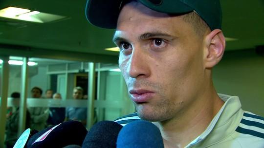 Moisés diz que pressão faz parte do pacote no Palmeiras e projeta caça ao Corinthians