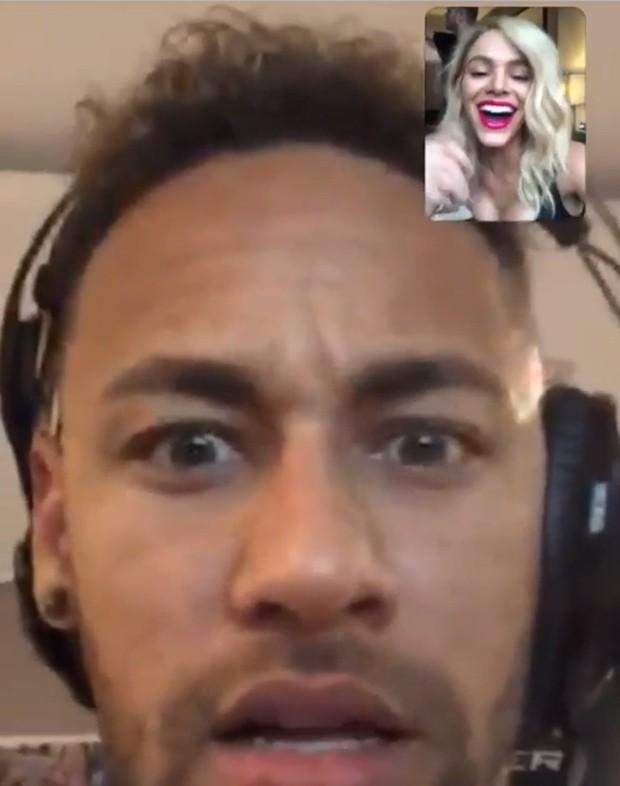 Loira, Bruna Marquezine surpreende Neymar (Foto: Reprodução/Instagram)