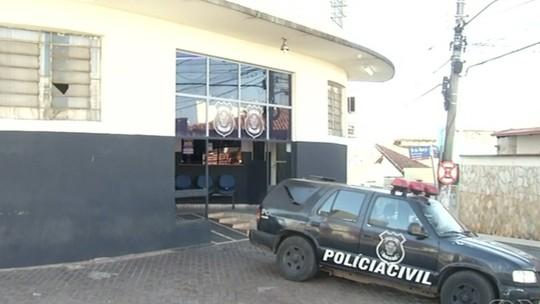 Homem é preso por espancar a mulher dentro de casa, em Anápolis