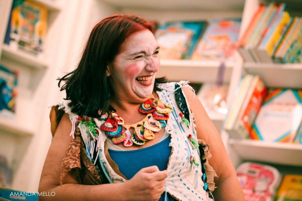 -  Ester Sá ministra oficina de teatro para crianças.  Foto: Amanda Mello