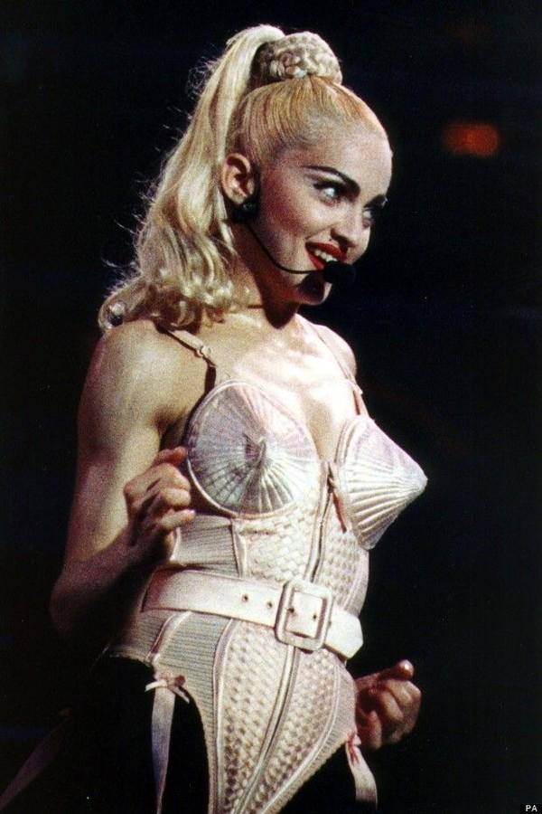 Madonna e seu sutiã icônico (Foto: Reprodução)