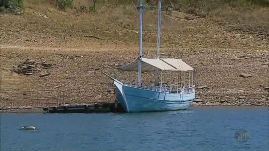 Acidente com escuna que afundou liga alerta para segurança de barcos no Lago de Furnas, MG