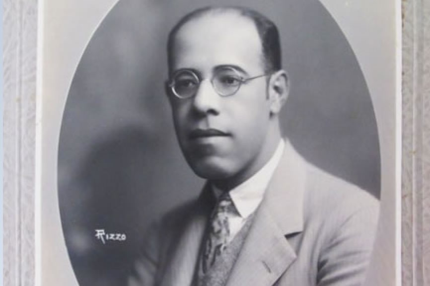 Mário de Andrade (Foto: By Michelle Rizzo (1869-1929) [Public domain], via Wikimedia Commons)