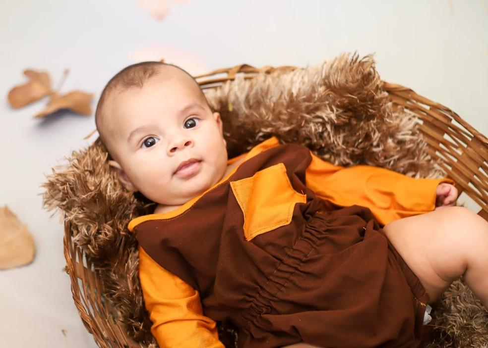 Bebê de Rio Grande passa por tratamento em Porto Alegre — Foto: Arquivo Pessoal
