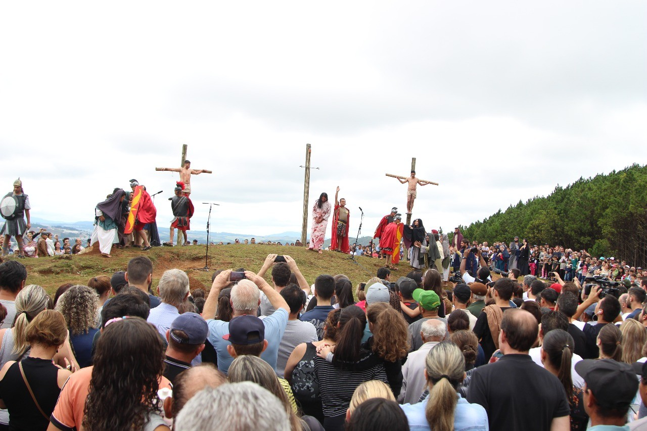 Veja a programação de celebrações da Sexta-Feira Santa em paróquias de SC