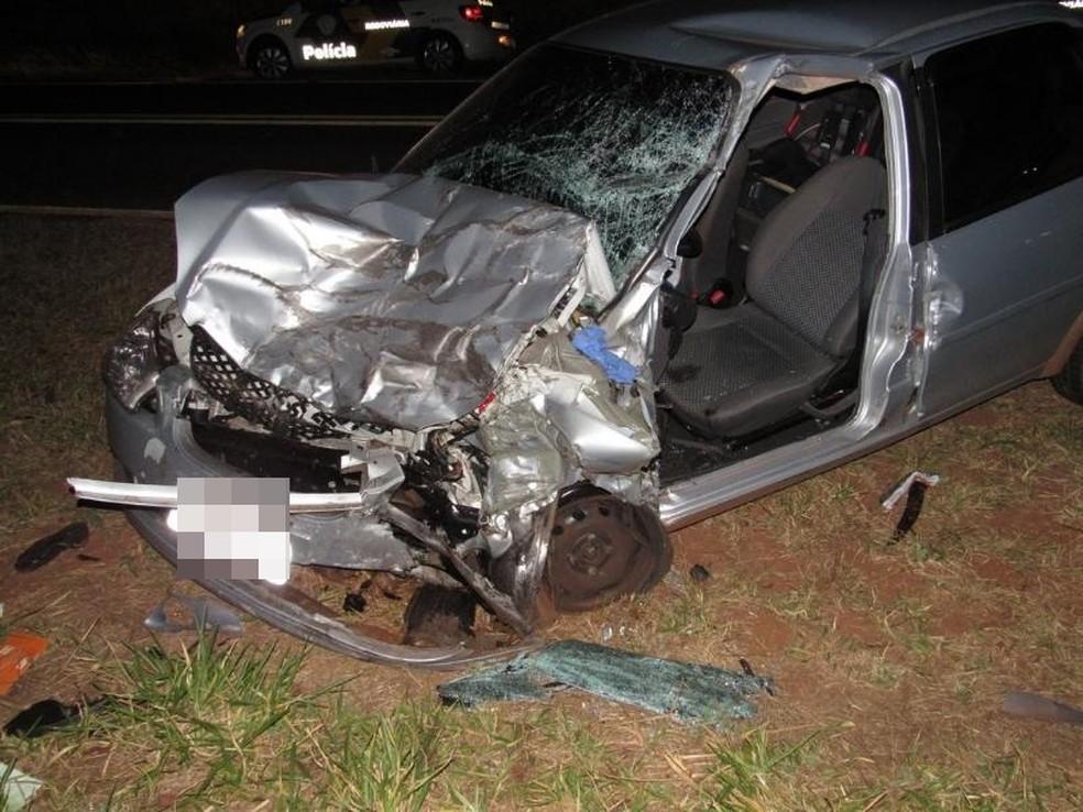 Veículo que seguia no sentido contrário também se envolveu no acidente (Foto: A Voz das Cidades )