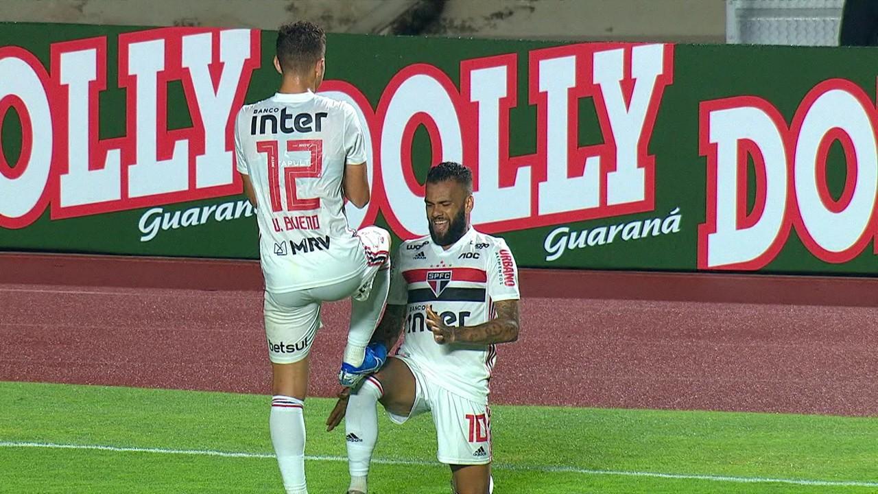 São Paulo 2 x 0 Água Santa: Daniel Alves fez o segundo e definiu a vitória no Morumbi