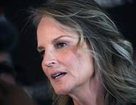 Helen Hunt sofre acidente de carro nos EUA