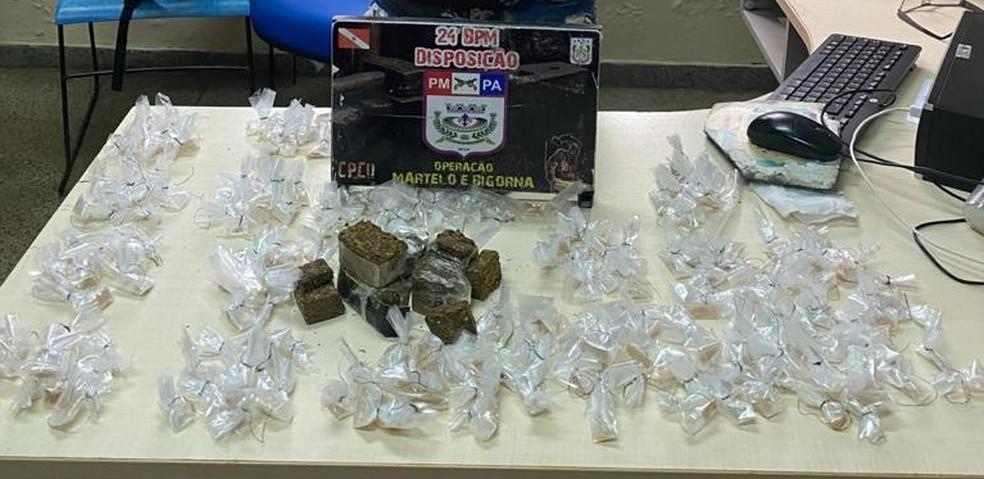 Homem é preso com quase 200 papelotes de cocaína no Tapanã, em Belém — Foto: Divulgação/Polícia Militar