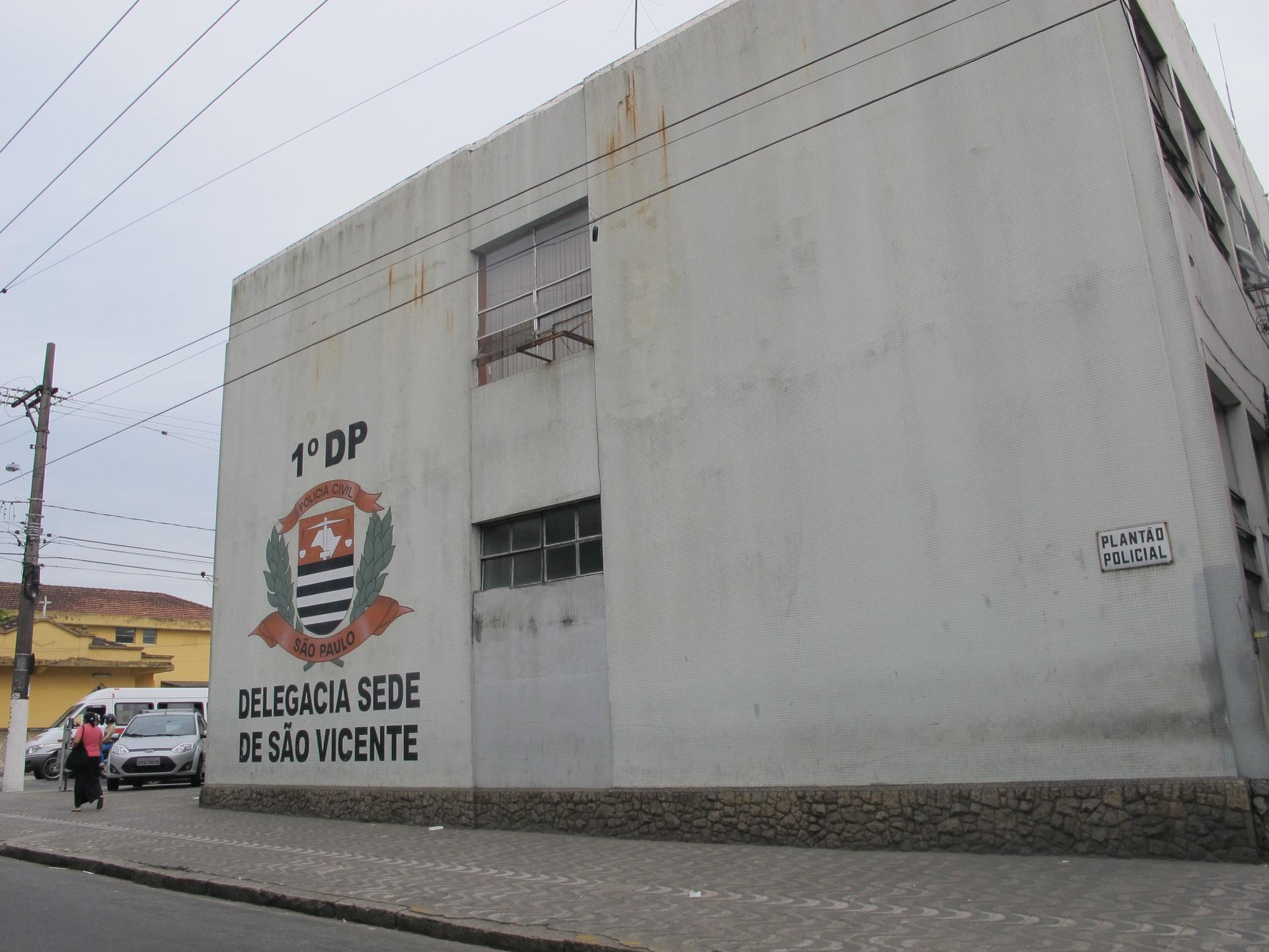 Quadrilha é presa após cometer roubos em ruas de Santos, SP - Notícias - Plantão Diário
