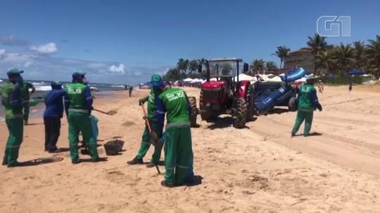 VÍDEO: Manchas de óleo retornam à praia de Pedra do Sal, em Salvador
