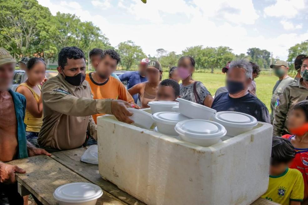 Governo diz que Sedam ofereceu marmitas para famílias retiradas da área — Foto: Reprodução/Sedam