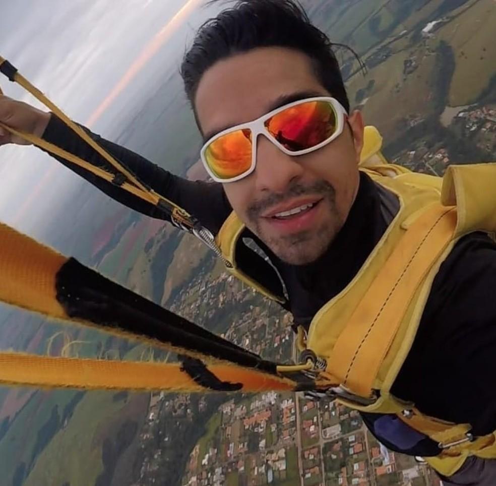 Paraquedista Leandro Torelli, de 33 anos, morreu após queda em salto individual em Boituva, no interior de SP — Foto: Reprodução
