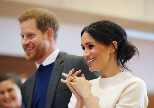 BELFAST, NORTHERN IRELAND - MARCH 23:  Prince Harry and Meghan Markle during a visit to Catalyst Inc science park in Belfast where they met some of Northern Ireland's brightest young entrepreneurs on March 23, 2018 in Belfast, Nothern Ireland.  (Photo by  (Foto: Getty Images)