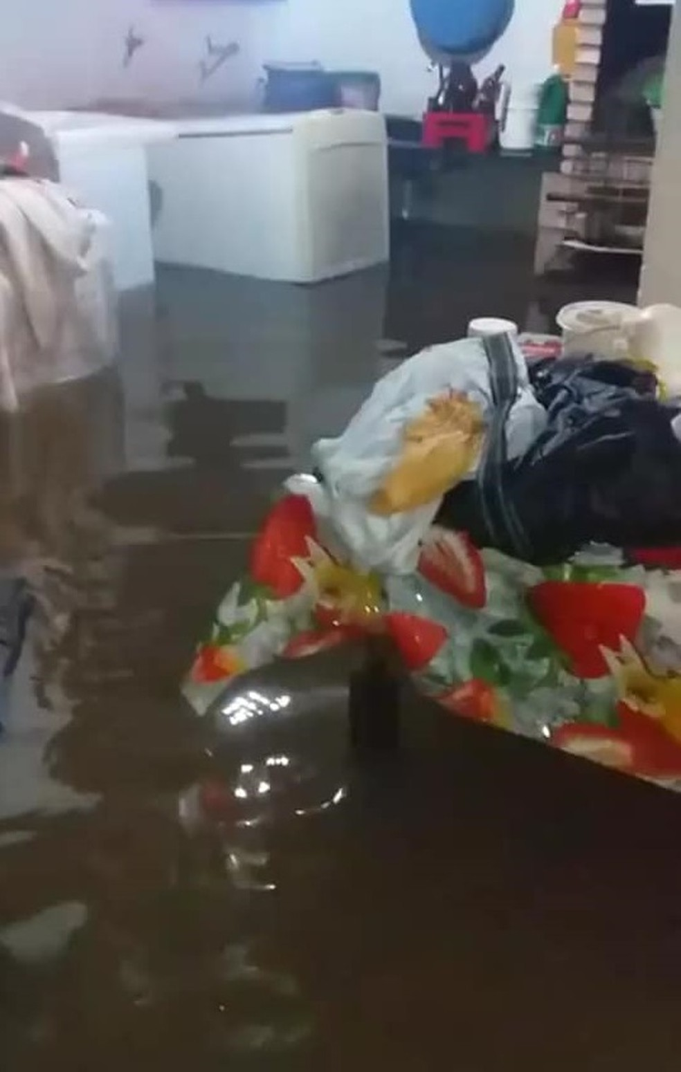 Casa alagada em Buritama depois da chuva deste sábado (24) — Foto: Arquivo Pessoal