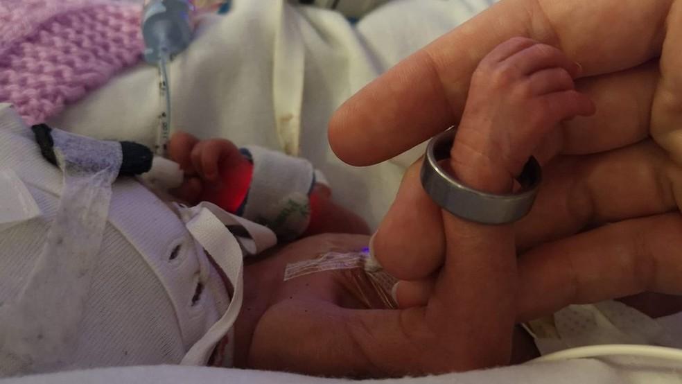 Laura e Dave mantiveram a gravidez de Ivy em segredo por medo de perder o bebê — Foto: Arquivo Pessoal/Laura Worsley