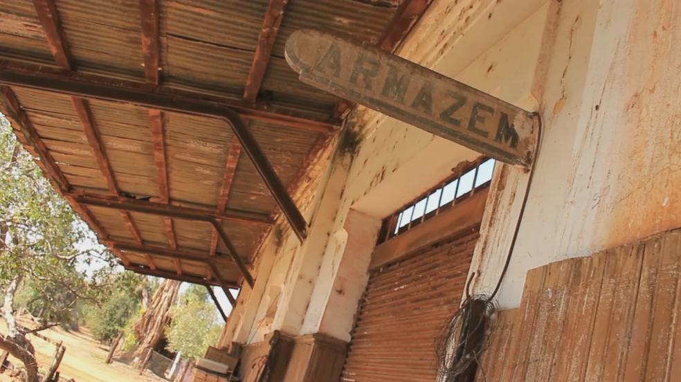 Poucas construções de Japurá ficaram intactas (Foto: Reprodução/TV TEM)