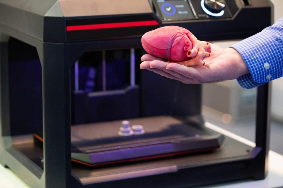 Impressoras 3D já fazem modelos de órgãos para que médicos planejem procedimentos.  — Foto: Divulgação