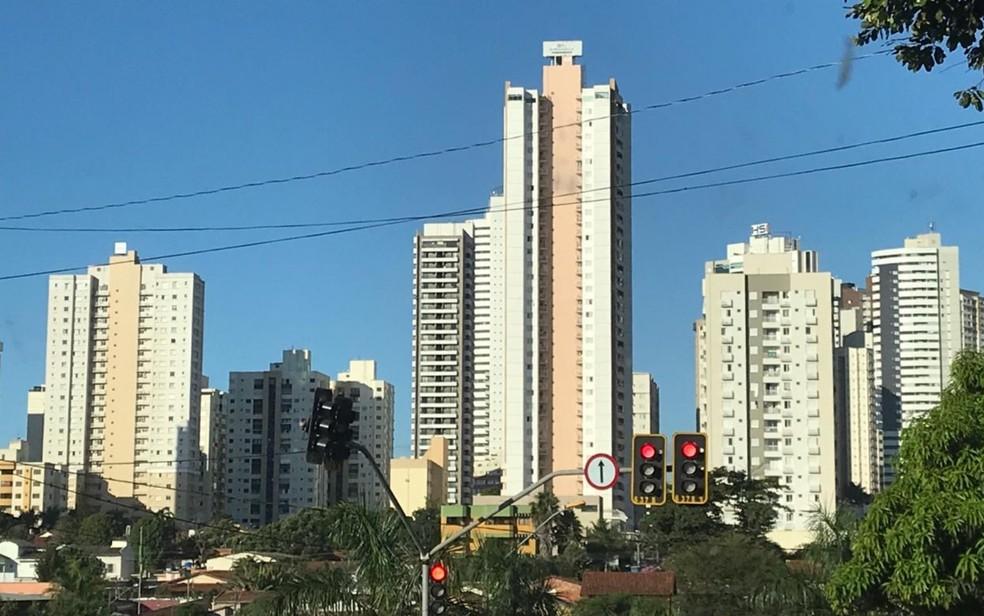 Prédios no Setor Alto da Glória, em Goiânia — Foto: Vanessa Chaves/G1