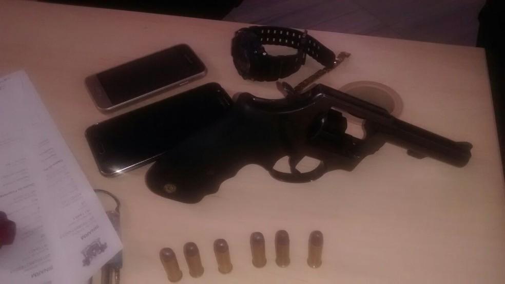 Arma estava com suspeitos de arrastão na Grande Natal (Foto: Divulgação/ PM)