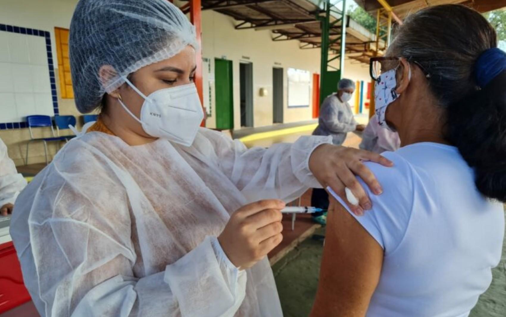 Goiânia tem 'Dia D' da vacina contra Covid-19 para idosos e pessoas com comorbidades a partir de 18 anos; veja locais