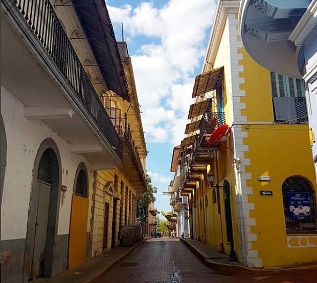 O bairro de Casco Viejo já foi um dos mais perigosos da Cidade do Panamá (Foto: Reprodução/Instagram)