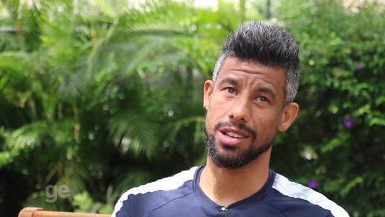 """Romântico, ciumento e """"turbinado"""" aos 38: Tudo Menos Futebol com Léo Moura"""