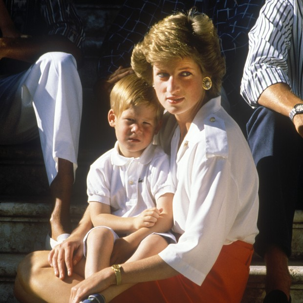 Princesa Diana e os filhos, Harry e William (Foto: Getty Images)