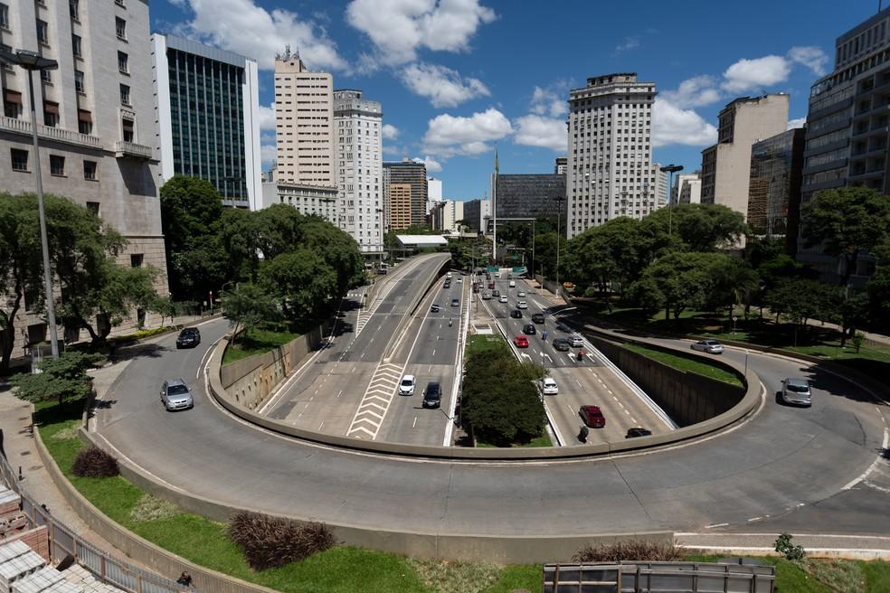 Avenida 23 de Maio, vista do Viaduto do Chá, em São Paulo, em foto do dia 23 de março — Foto: Marcelo Brandt/G1