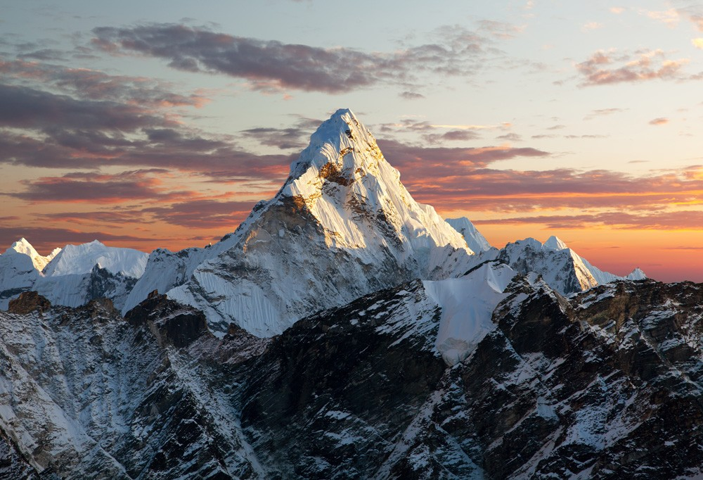 Monte Everest, no Nepal (Foto: Thinkstock)