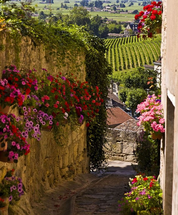 Saint-Emilion, Bordeaux, França (Foto: Town and Country Mag/ Reprodução)