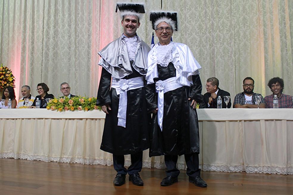 Reitor Luiz Otávio de Magalhães e o vice Marcos Henrique Fernandes, tomaram posse na Uesb (Foto: Divulgação/Uesb)