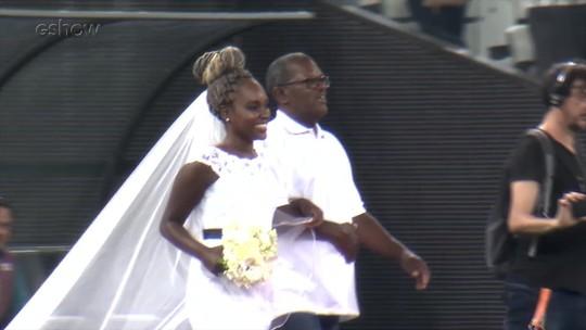 'Caldeirão' promove casamento inusitado na Arena Corinthians