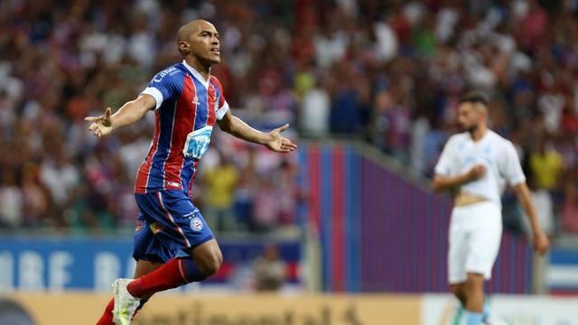 Nino comemora gol marcado nesta noite na Arena Fonte Nova