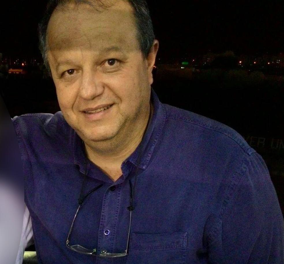 O narrador esportivo Devair Paschoalon, conhecido como Deva Pascovicci, estava no avião (Foto: Arquivo pessoal)