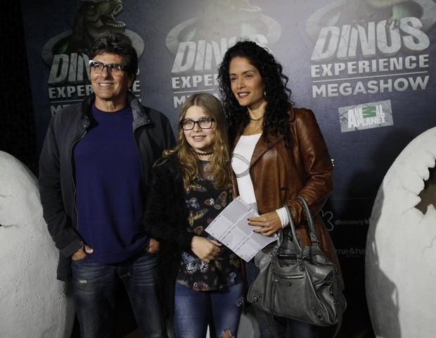 Evandro Mesquita com a filha, Alice, e a mulher, Andrea Coutinho (Foto: Brazil news / Marcos Fereira)