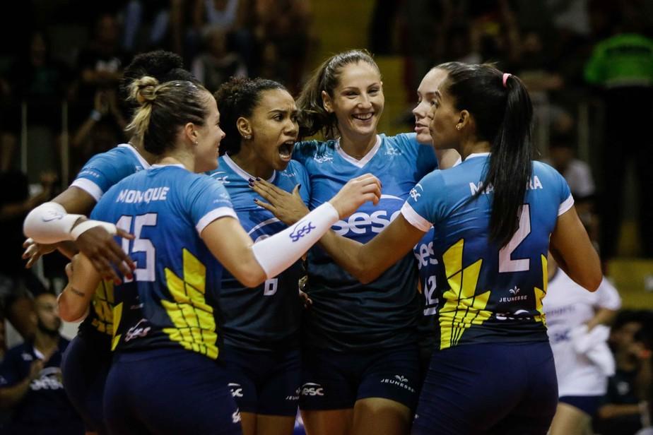 Sesc-RJ e Osasco entram em quadra de olho em escalada na tabela da Superliga Feminina