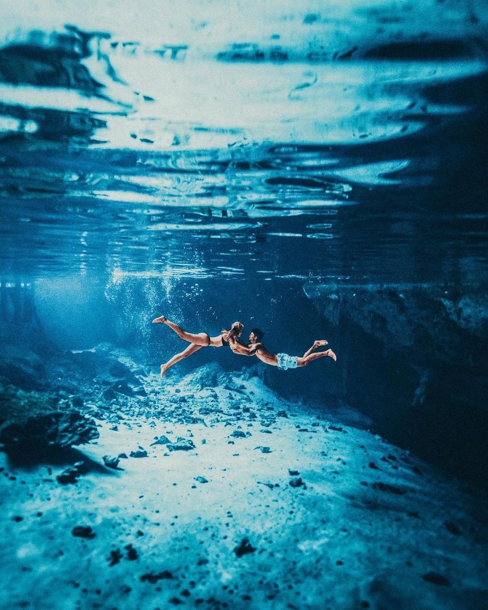 Yasmin e Medina: amor até debaixo d'água  — Foto: Lucas Pinhel/Divulgação