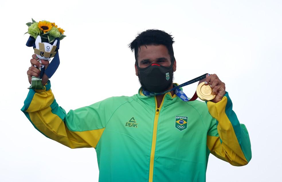 O surfista brasileiro Italo Ferreira conquistou a medalha de ouro nos Jogos Olímpicos de Tóquio — Foto: Lisi Niesner/Reuters