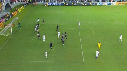 """Rodrygo, """"o driblador"""", vira capa de jornal espanhol após gol e assistência pelo Santos"""